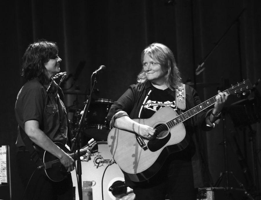 Indigo Girls In Concert - Nashville, Tennessee